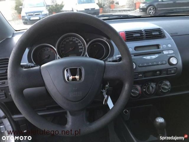 Honda Jazz 1,2 z ładnym i zadbanym wnętrzem